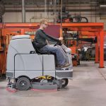 br1100s-ride-on-scrubber-dryer-1